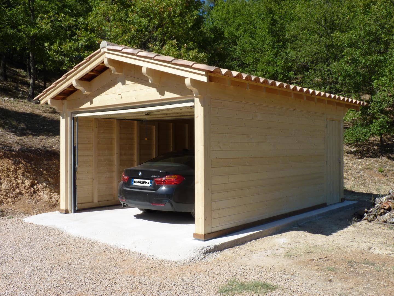 garage bois fermé, porte basculante